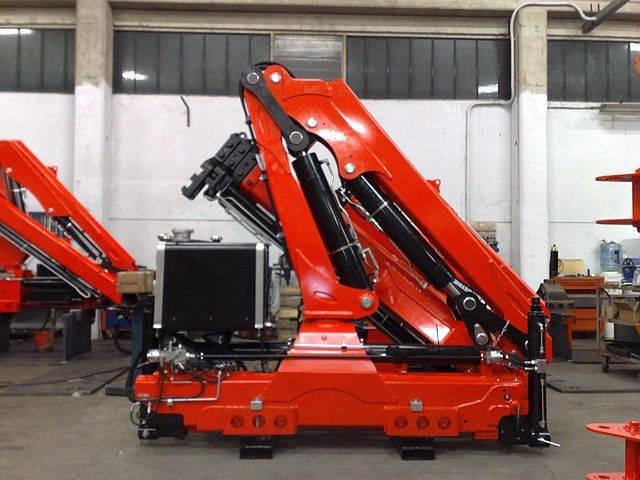 Монтаж кран-манипуляторов (КМУ) на шасси автомобилей